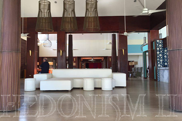 Looking into the newly renovated lobby at Hedonism II