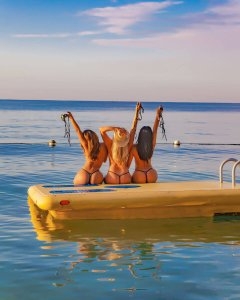 topless resorts